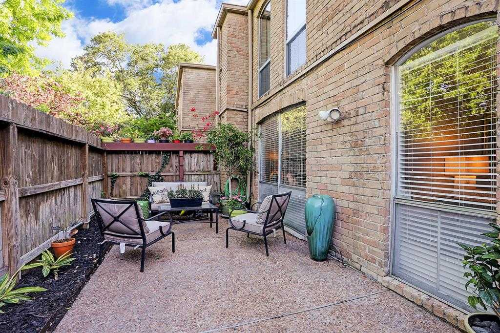 $119,900 - 1Br/1Ba -  for Sale in New Castle At Town Plaza Ph 02, Houston