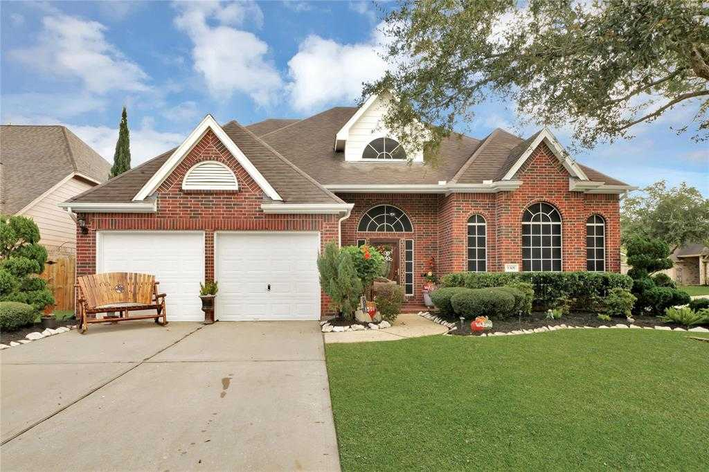 $364,999 - 4Br/4Ba -  for Sale in Pine Hollow Sec 2-a 2b, Pearland