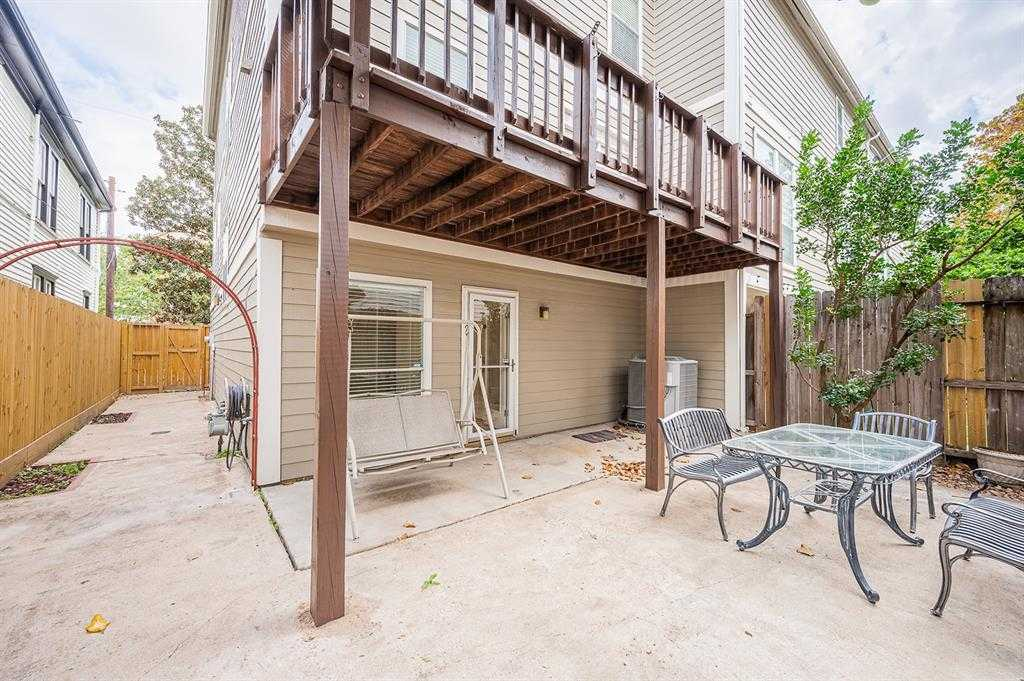 $339,900 - 3Br/3Ba -  for Sale in Austin Estates, Houston