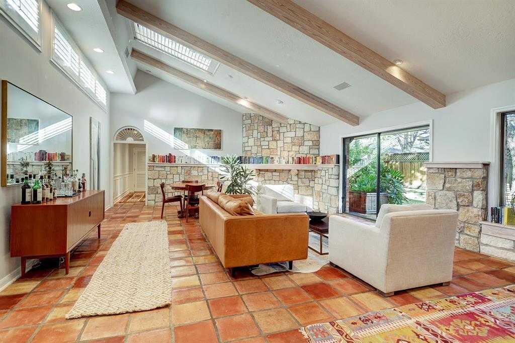 $545,000 - 4Br/2Ba -  for Sale in Oak Forest, Houston