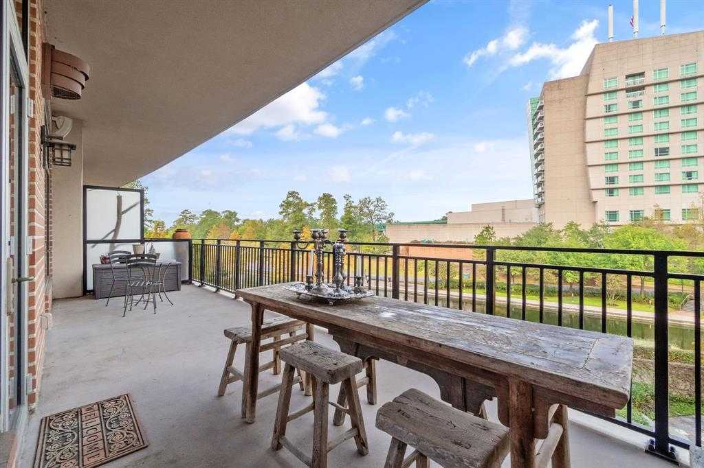 $450,000 - 1Br/1Ba -  for Sale in The Woodlands Town Center, The Woodlands