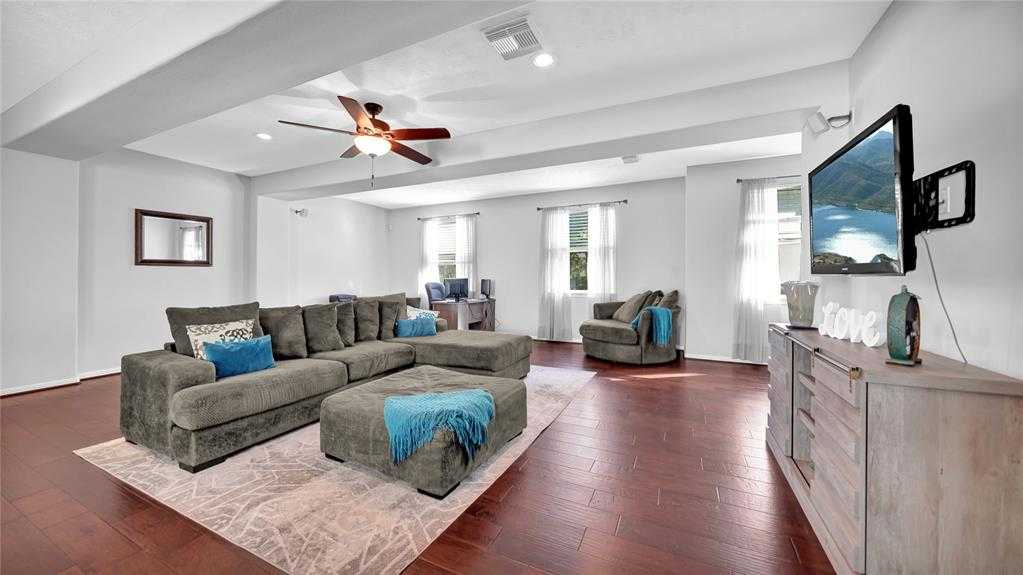 $329,000 - 4Br/3Ba -  for Sale in Roc Homes Eigel, Houston