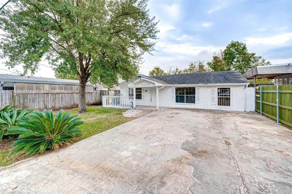 $146,000 - 3Br/2Ba -  for Sale in Houston Manor, Houston