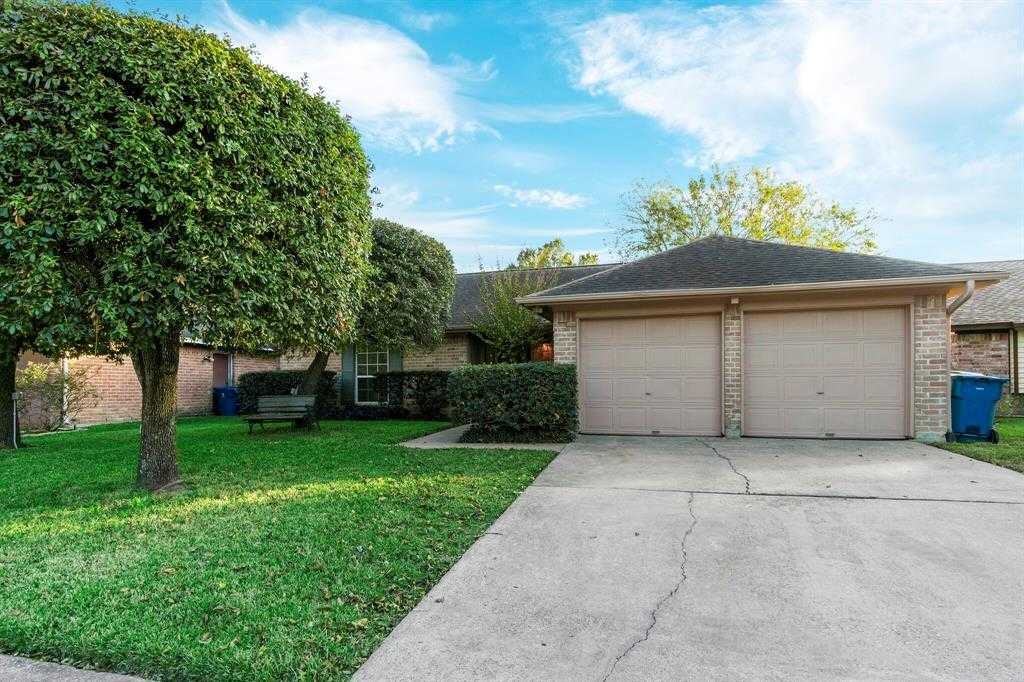 $185,000 - 3Br/2Ba -  for Sale in Inwood North Sec 07, Houston