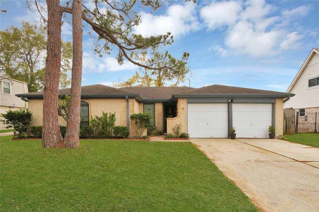 $180,000 - 3Br/2Ba -  for Sale in Sagemont Sec 08, Houston