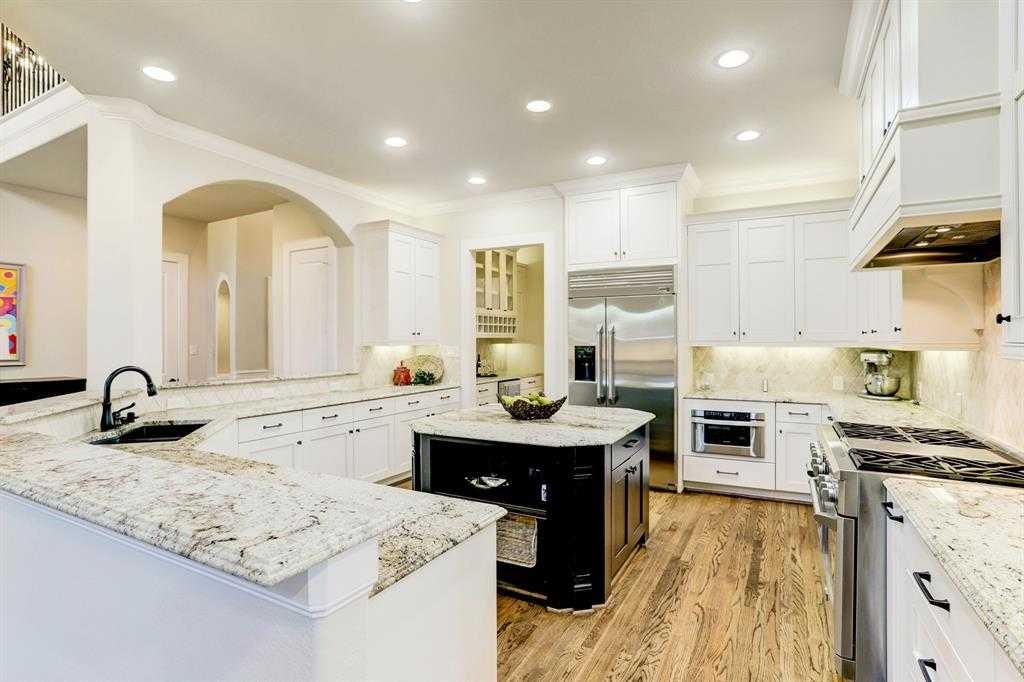 $895,000 - 5Br/5Ba -  for Sale in Oak Forest, Houston