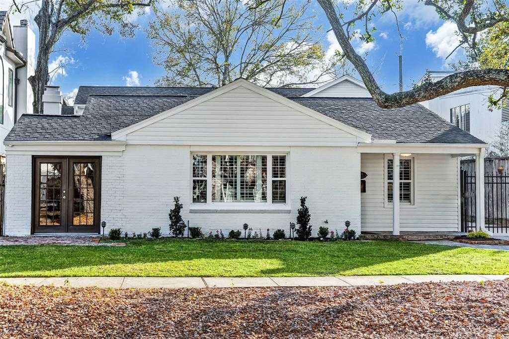 $1,075,000 - 4Br/3Ba -  for Sale in Quenby Court, West University Place