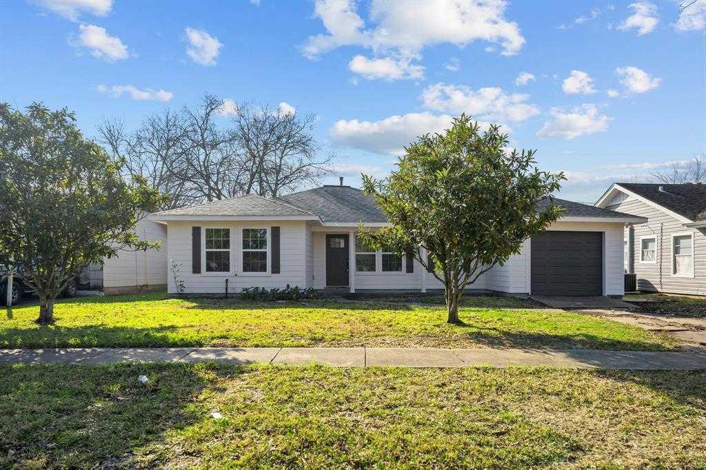 $169,000 - 3Br/2Ba -  for Sale in Freeway Manor Sec 01, Houston