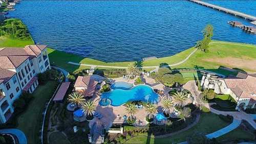 $399,000 - 3Br/3Ba -  for Sale in Playa Vista Conroe Condo, Montgomery