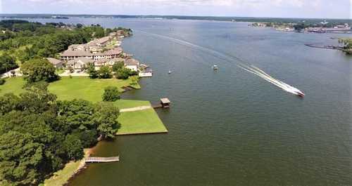 $689,700 - 3Br/4Ba -  for Sale in Lake Shore Cove, Montgomery