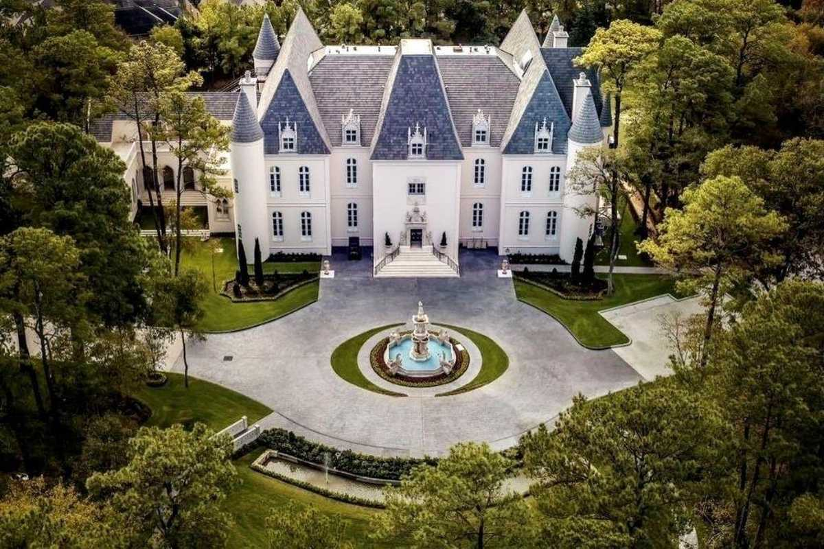 $10,000,000 - 7Br/18Ba -  for Sale in Champions, Houston