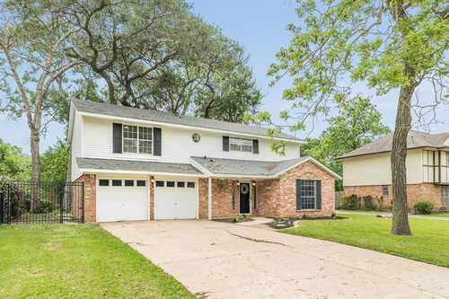 $229,000 - 4Br/3Ba -  for Sale in Plantation Village Sec 3 (lake Jackson),, Lake Jackson