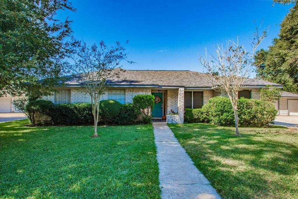 $271,500 - 4Br/3Ba -  for Sale in Northridge All Sect, Angleton
