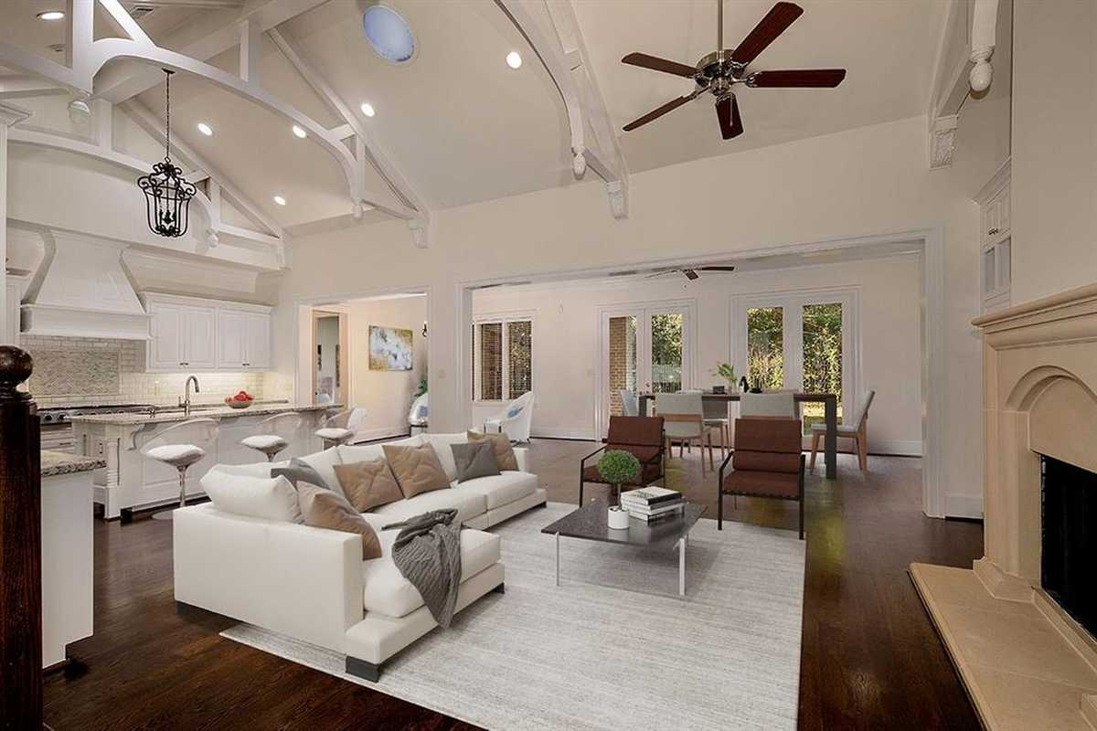 $1,100,000 - 4Br/5Ba -  for Sale in Wdlnds Village Panther Cr 45, The Woodlands