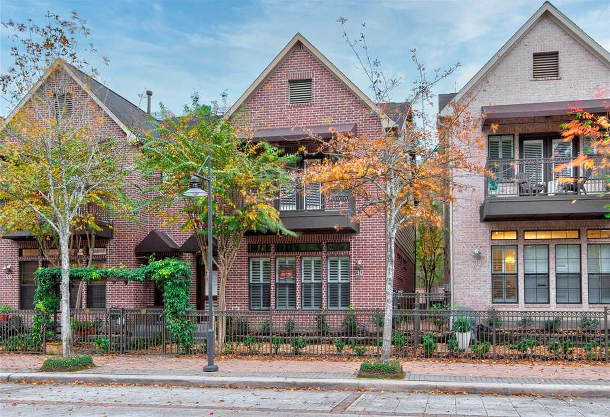 $560,000 - 4Br/4Ba -  for Sale in Waterway Village, The Woodlands