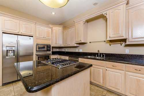 $550,000 - 3Br/3Ba -  for Sale in Cottage Grove, Houston