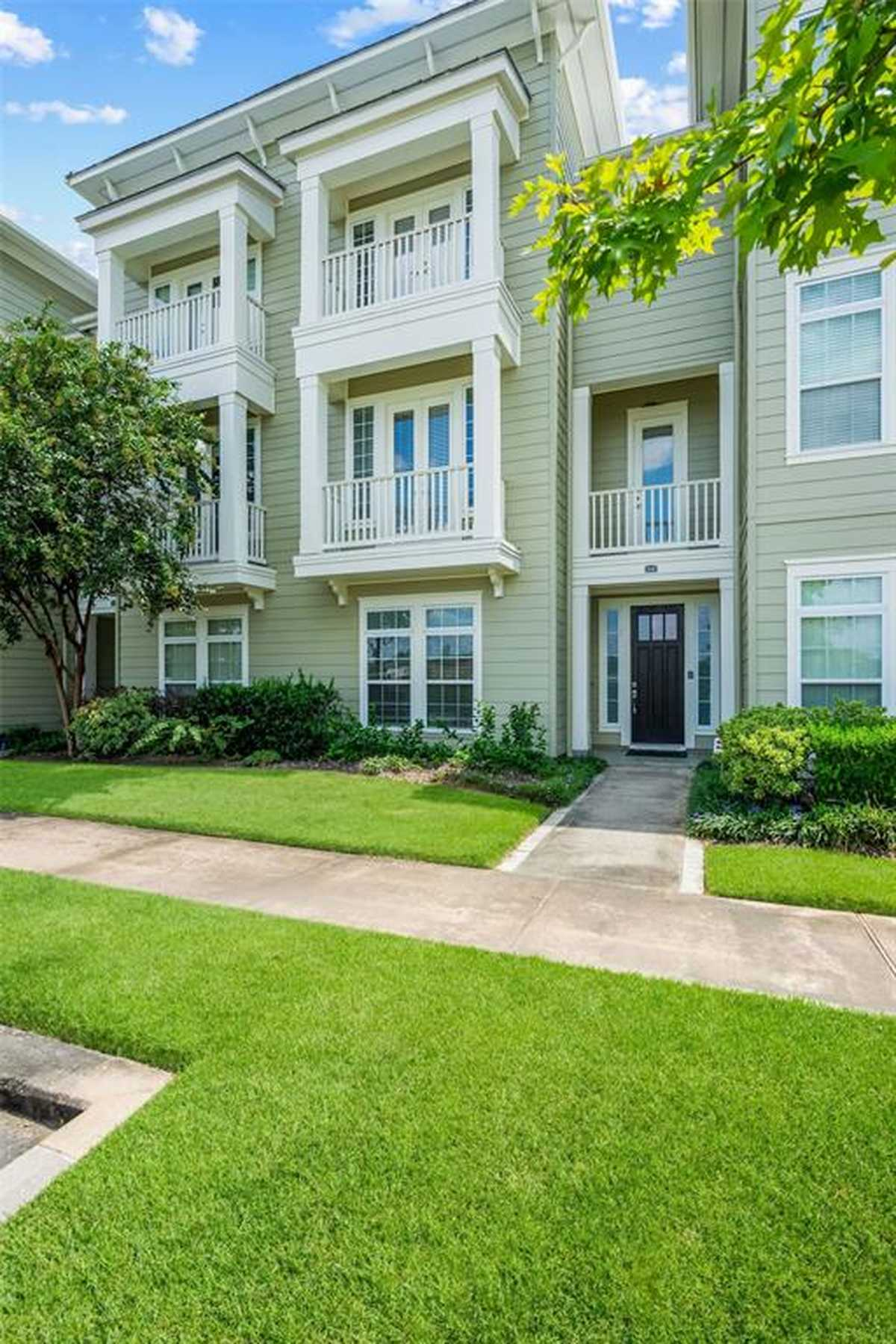 $575,000 - 3Br/4Ba -  for Sale in Oasis Pointe Twnhms, The Woodlands