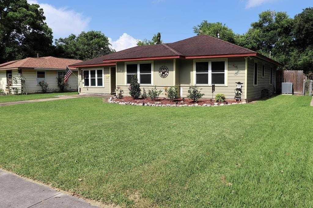 $213,500 - 3Br/2Ba -  for Sale in Brazos Oaks (lake Jackson), Lake Jackson