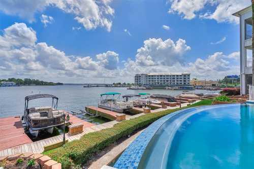 $399,000 - 2Br/2Ba -  for Sale in Paradise Point Condo, Conroe