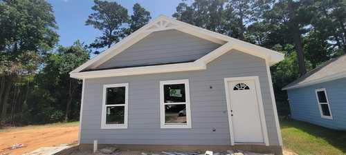 $184,000 - 3Br/2Ba -  for Sale in Lake Conroe Village, Montgomery