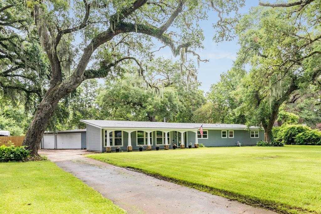 $399,000 - 4Br/3Ba -  for Sale in Area E & M S13 Lots (clj), Lake Jackson