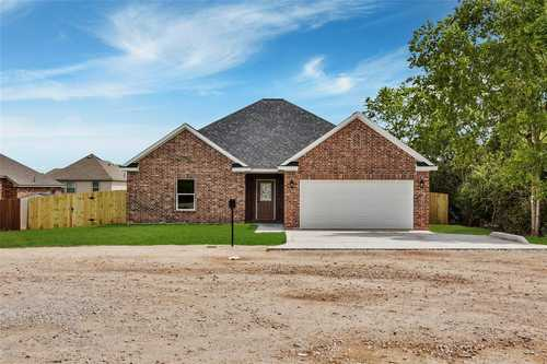 $250,000 - 3Br/2Ba -  for Sale in Lake Conroe Hills, Willis