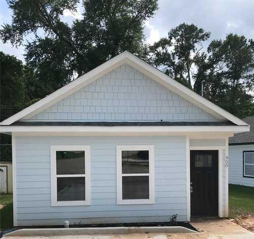 $182,900 - 3Br/2Ba -  for Sale in Lake Conroe Village, Montgomery