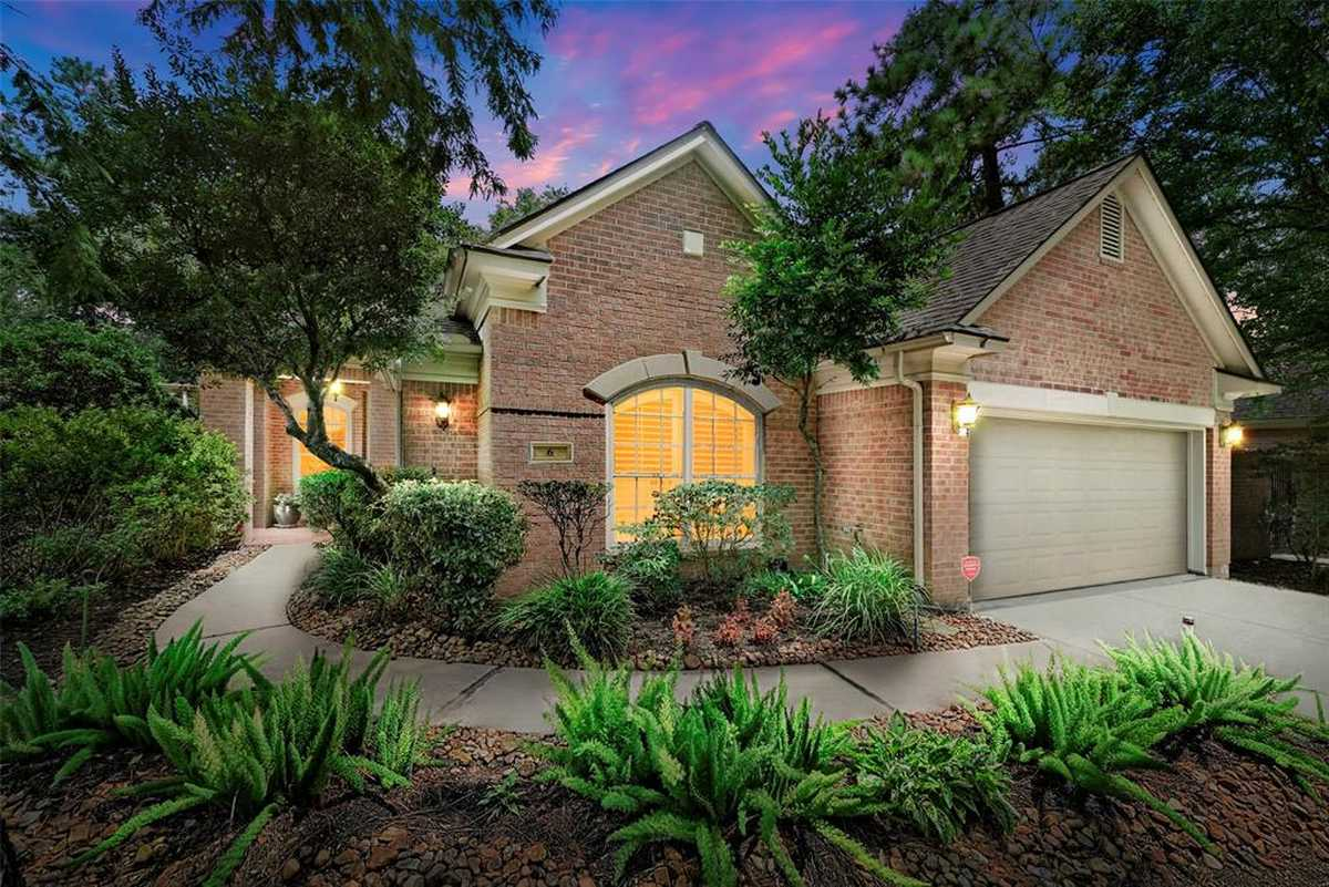 $550,000 - 3Br/3Ba -  for Sale in Wdlnds Village Panther Ck 39, The Woodlands