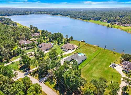 $759,000 - 4Br/3Ba -  for Sale in Lake Windcrest, Magnolia