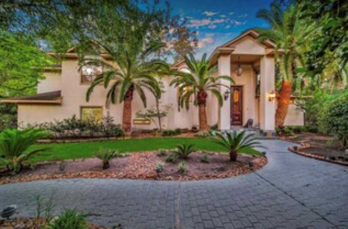 $1,275,000 - 4Br/6Ba -  for Sale in The Woodlands, The Woodlands