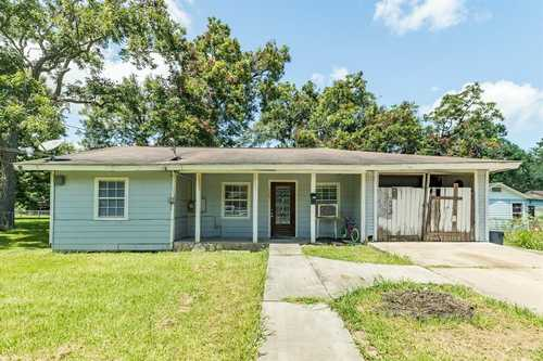 $117,000 - 4Br/1Ba -  for Sale in Crestwood, Timberland & Surr Subs, Clute