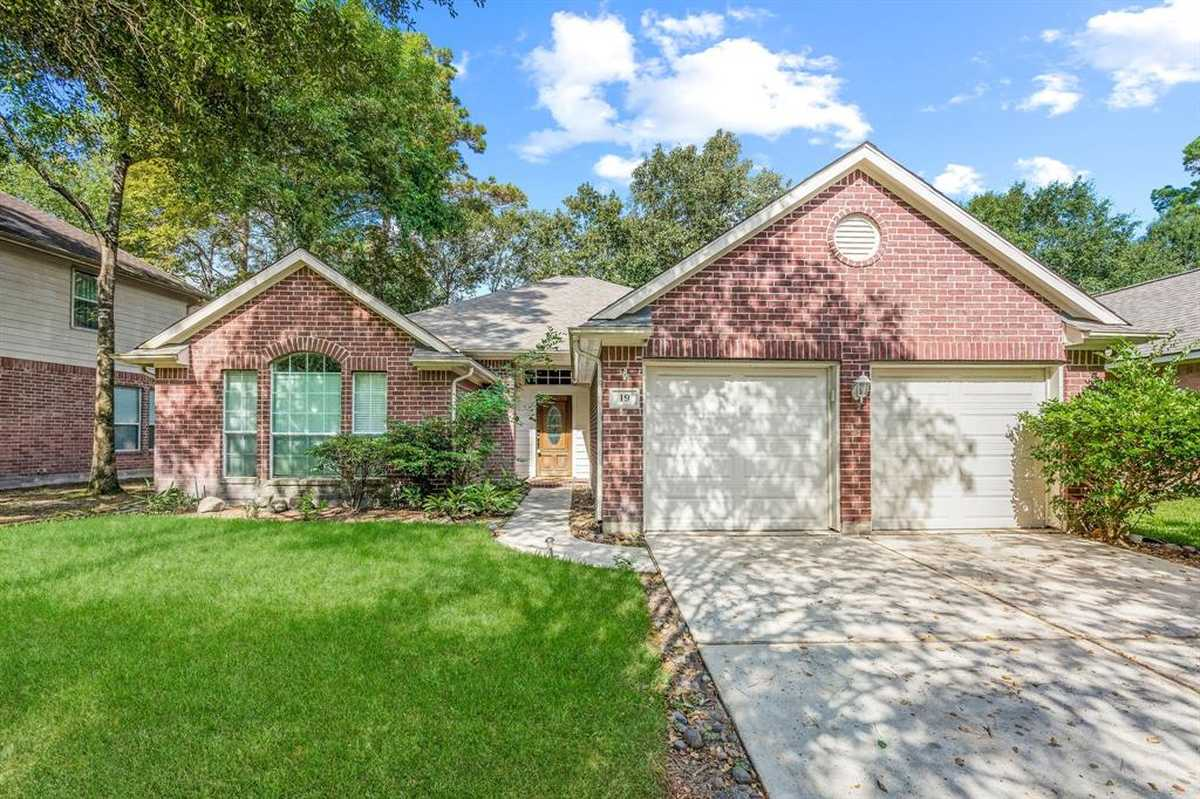 $339,900 - 4Br/2Ba -  for Sale in Wdlnds Harpers Lnd College Park, Conroe