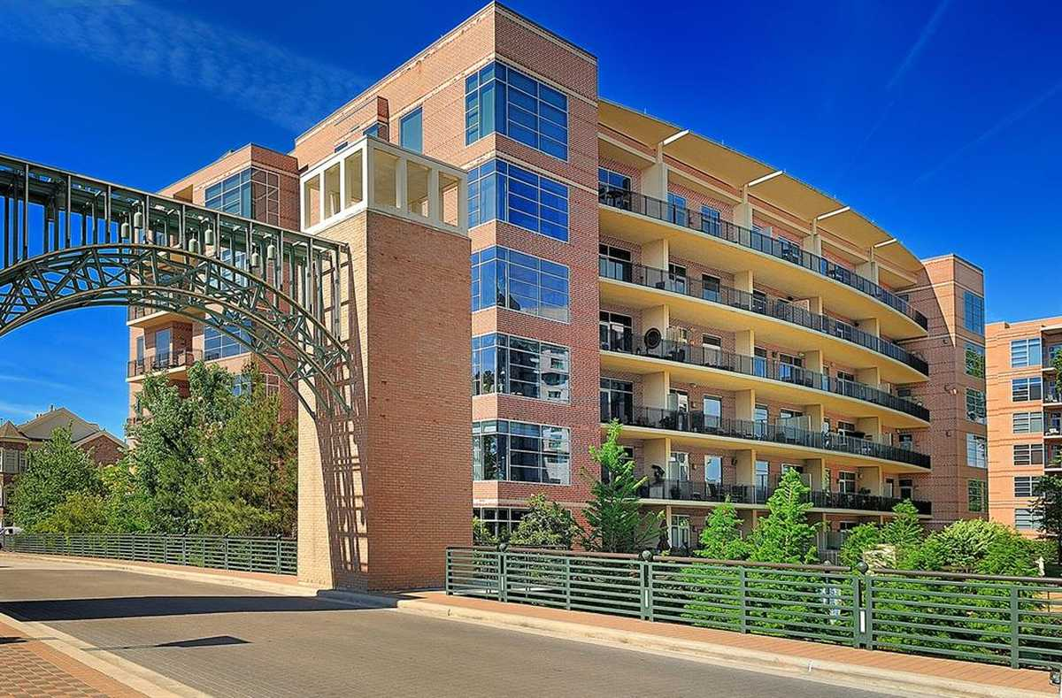 $1,050,000 - 3Br/3Ba -  for Sale in Waterway Lofts, The Woodlands