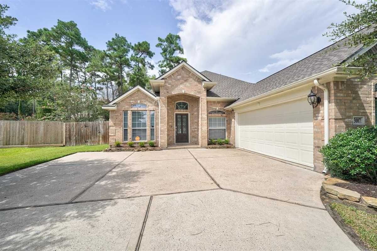 $345,000 - 5Br/3Ba -  for Sale in Canyon Lakes At Legends Ranch, Spring