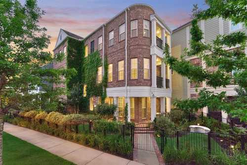 $915,000 - 3Br/4Ba -  for Sale in Oasis Pointe Twnhms Pt, The Woodlands