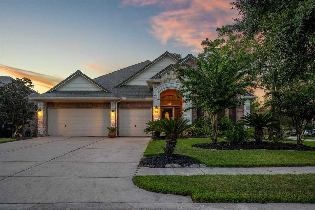 $350,000 - 4Br/3Ba -  for Sale in Canyon Lakes At Legends Ranch, Spring