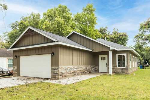 $257,900 - 3Br/2Ba -  for Sale in Clute Abst. 66 S3210 Davidson,s3382 Den, Clute