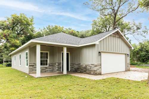 $237,000 - 3Br/2Ba -  for Sale in Clute Abst. 66 S3210 Davidson,s3382 Den, Clute