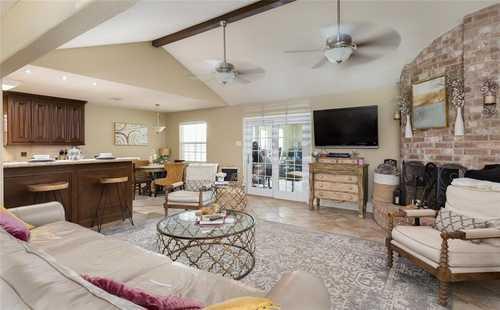 $389,900 - 4Br/2Ba -  for Sale in Jones Add Sec 2, Galveston