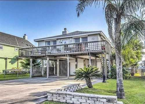 $450,000 - 3Br/2Ba -  for Sale in Sea Isle Orig, Galveston