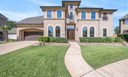$699,000 - 5Br/5Ba -  for Sale in Copper Lakes Sec, Houston
