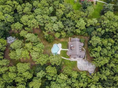 $569,900 - 4Br/3Ba -  for Sale in Lake Windcrest 01, Magnolia