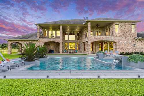 $975,000 - 5Br/6Ba -  for Sale in Blackhorse Ranch, Cypress