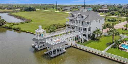 $749,500 - 4Br/3Ba -  for Sale in Villas At Laffites Cove, Galveston
