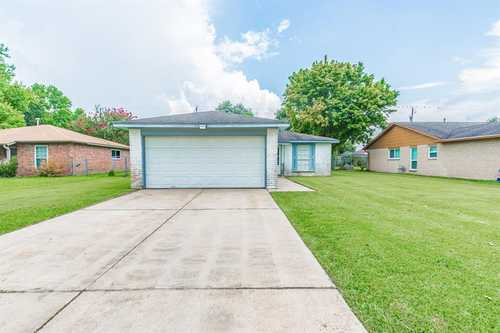 $140,000 - 3Br/2Ba -  for Sale in Country Estates, Angleton
