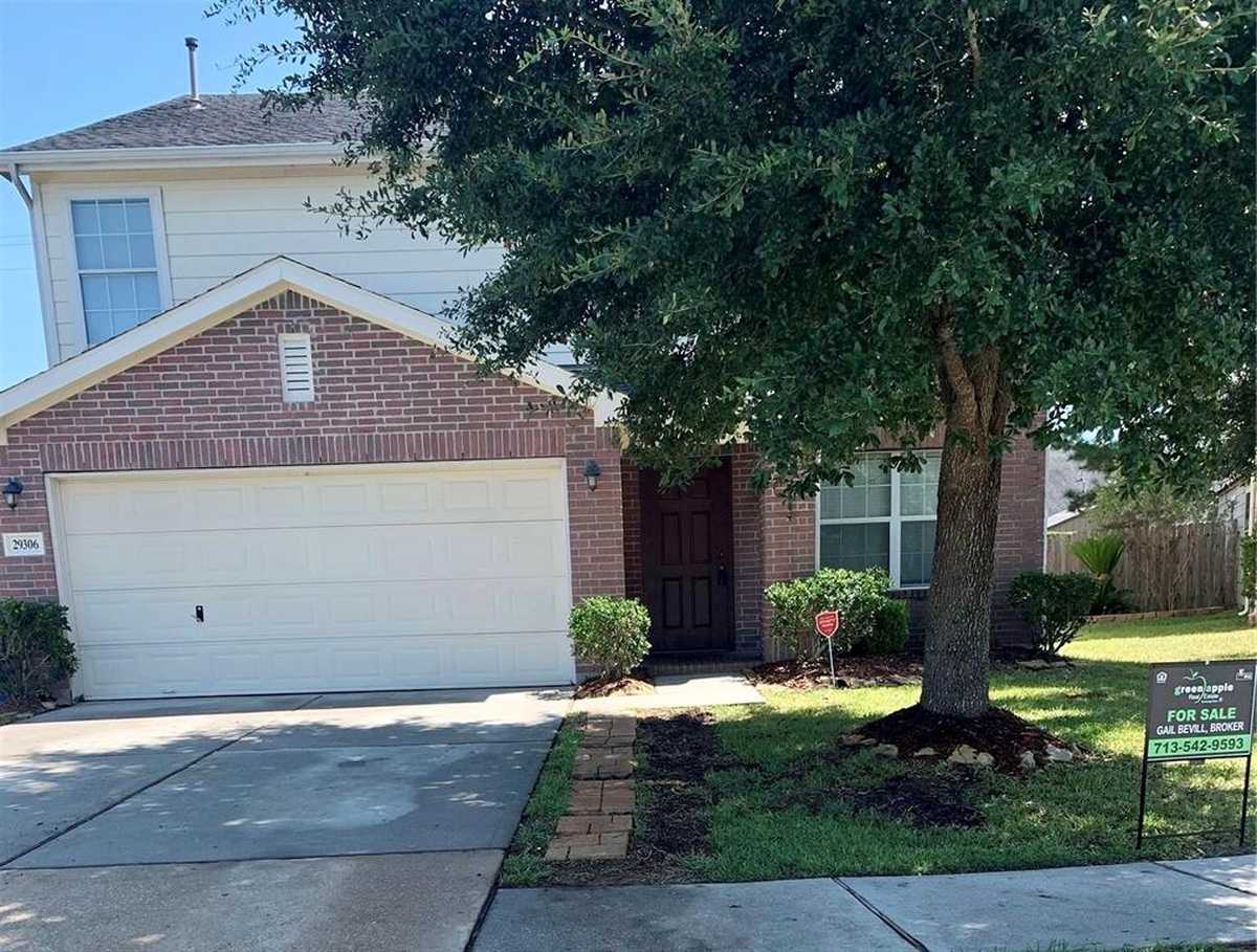 $274,900 - 4Br/3Ba -  for Sale in Legends Run 09, Spring