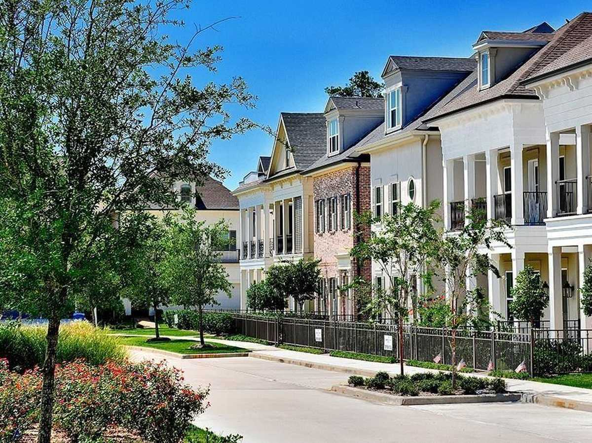 $549,000 - 4Br/3Ba -  for Sale in Boulevard Green At Vision Park, Conroe