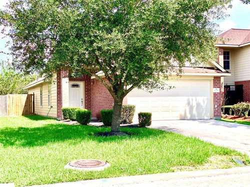 $205,000 - 3Br/2Ba -  for Sale in Brunswick Lakes, Houston