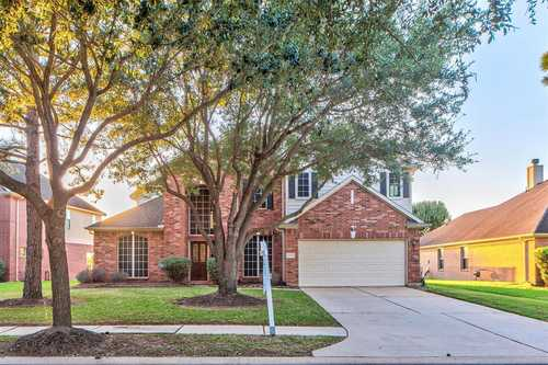 $394,000 - 4Br/3Ba -  for Sale in Stone Gate, Houston