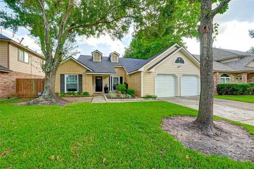 $283,000 - 3Br/2Ba -  for Sale in Settlers Grove, Sugar Land